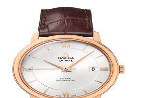 De Ville Prestige, mouvement co-axial, en or rouge, 7350€.