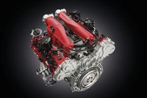 A 90 degrés, ce nouveau V8 est très compact.