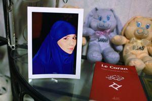 Nora est partie en Syrie rejoindre son mari à 18 ans.