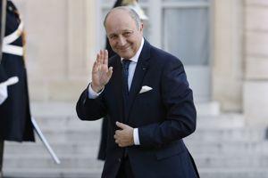 Laurent Fabius est maintenu à son poste.