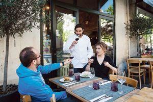 À L'Olivier, les vins sont grecs, natures et de qualité.