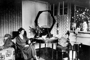 Un des 1ers poste radio à ampoule vers 1920.