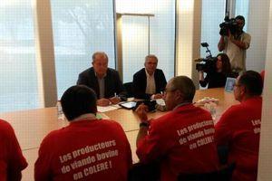 Une délégation de la FNB dont son président Jean-Pierre Fleury a été reçue par la direction de Leclerc.