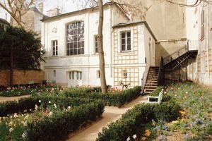Le jardin du Musée Delacroix, au cœur de Saint-Germain des-Prés (VIe).