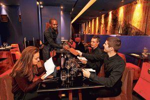 L'ex-Murano estdevenu l'1 K (IIIe), restaurant péruvienau décor ethnico-chic.