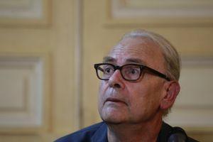 Patrick Modiano, prix Nobel de littérature 2014, a été promu officier. Sébastien SORIANO / Le Figaro.