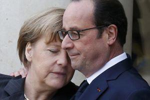 Angela Merkel et François Hollande, dimanche sur le perron de l'Élysée