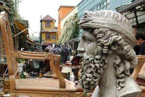 Le marché aux Puces de Saint-Ouen (93).