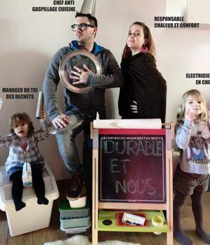 Claire, Sébastien et leurs deux filles participent à l'opération à Tours.