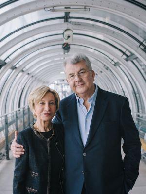 Dans l'escalator mythique de Renzo Piano et Richard Rogers de Beaubourg. <i>Photo Lucien Lung pour Le Figaro.</i>