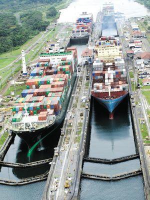 Une des trois écluses du canal de Panama.