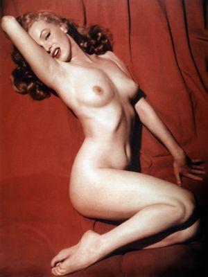 Marilyn Monroe pose nue sous l'objectif de Tom Kelley pour le magazine <i>Playboy </i>de 1953.