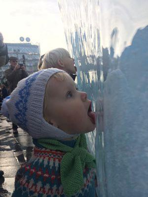 <i>IceWatch</i>, projet d'Olafur Eliasson et de Minik Rosing, a fait l'évènement en octobre au cœur de Copenhague: les morceaux de banquise venaient par conteneurs d'Islande.