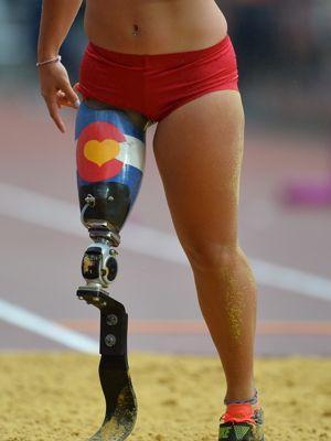 L'Américaine Lacey Jai Hendersen, équipée d'un Total Knee et d'une lame de course Cheetah. (AFP Photo/Glyn Kirk)