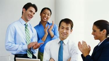 Pour réussir au boulot, soyez un parfait fayot !