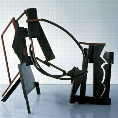 <i>Emma Scribble</i>, 1977-79, acier oxydé et vernis, peinture (198 x 231 x 137 cm). Courtesy Galerie Daniel Templon, Paris & Bruxelles.