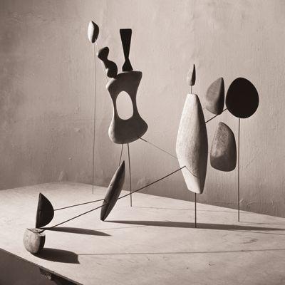 Calder par Matter. Photo Herbert Matter © 2013 Calder Foundation, New York.