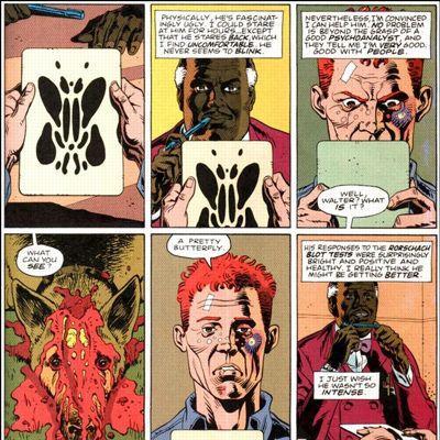 Le justicier Walter Joseph Kovacs, sous sa véritable apparence, soumis au test de Rorschach dans la bande dessinée <i>Watchmen</i> (1986).