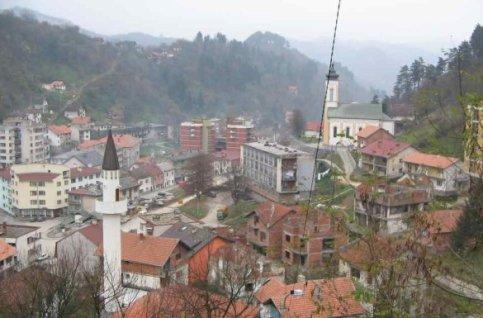 Srebrenica est une ville de 36.000 habitants à 75% musulmane, située à une centaine de kilomètres de la capitale de Bosnie-Herzégovine, Sarajevo.