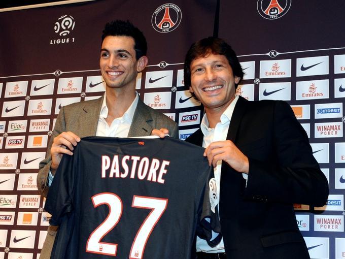 <b> Javier Pastore </b> - Acheté 42 millions d'euros par le PSG, le milieu de terrain argentin est devenu le joueur  le plus cher de l'histoire de la Ligue 1 devançant désormais l'ancien attaquant du…PSG, Nicolas Anelka. A peine arrivé à Paris, Javier Pastore a réalisé deux passes décisives pour son premier match dimanche dernier.