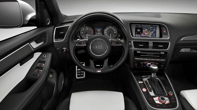 Le V6 3 litres diesel biturbo de 313 ch de la SQ5 est uniquement associé à la boîte automatique à 8 vitesses.