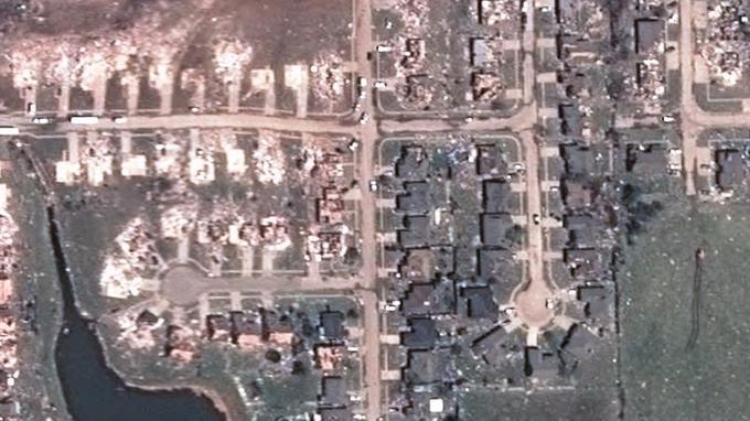 Zoom sur l'une des zones de destructions laissées par la tornade.