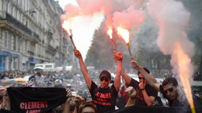 À Paris, quelques milliers de personnes ont défilé en mémoire de Clément Méric. Parti de la station de métro Bréguet-Sabin, près de la place de la Bastille, le cortège s'est dirigé vers la place Gambetta.