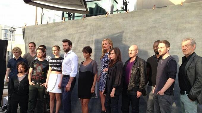 Le casting au complet, réuni à l'occasion du Comic-Con, ce week-end (Photo postée par Patrick Stewart sur son Twitter)