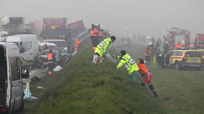 Au total, 132 voitures ont été impliquées dans les collisions en chaîne.