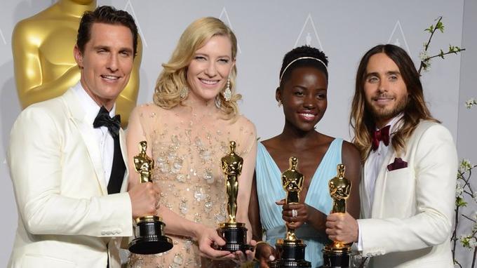 Photo de classe pour les acteurs héros de la soirée: Matthew McConaughey, Cate Blanchett, Lupita Nyong'o et Jared Leto