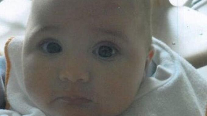 L'enfant enlevé a quatre mois et demi.<i> Capture d'écran du site «alerte enlèvement».</i>