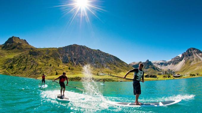 Tignes-le-Lac, 2100 m d'altitude, la plus haute base nautique d'Europe. (Crédit: Andy Parant)