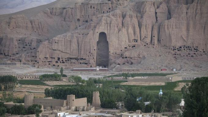 L'emplacement d'un des bouddhas de Bamiyan, aujourd'hui vide.