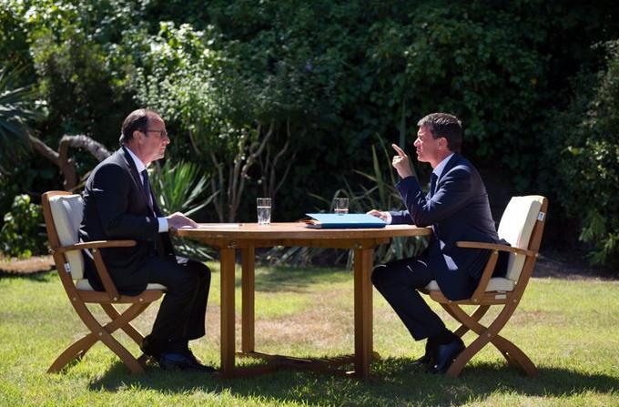 Le président de la République François Hollande et son premier ministre Manuel Valls se sont retrouvés vendredi 15 août, durant leurs vacances, au fort de Brégançon pour une réunion suivie d'un déjeuner de travail destinés à «préparer la rentrée».