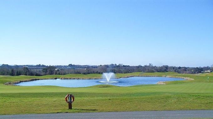 Le lac du golf de Castleknock (Crédit: Dean Molyneaux/Flickr/CC)