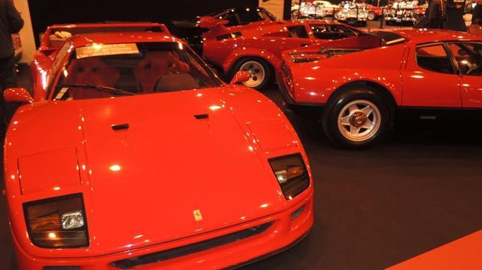 Les GT et les supercars des années 70-80 étaient légions sur les stands des marchands.