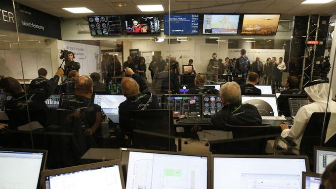 Le centre de contrôle de Monaco, ou sont envoyés tout les paramètres de vol en direct.