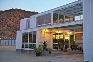 Uma casa de contentores de vários andares. (buyuncontainer.com)