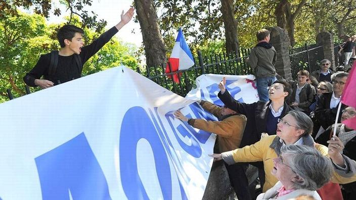3e02f4be7d095b À Nantes, la Manif pour tous scande son opposition à la «Journée de la jupe»
