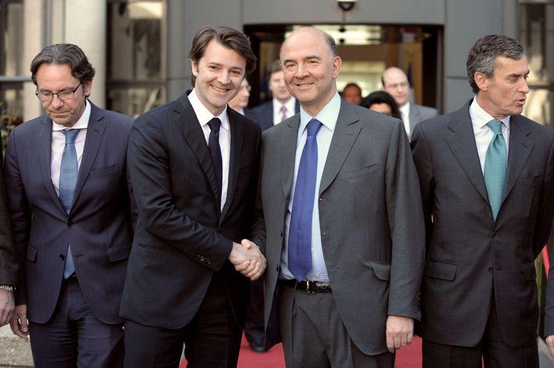 François Baroin laisse Bercy entre les mains du nouveau ministre de l'Économie Pierre Moscovici. Il a rappelé à son successeur que «l'urgence» serait «bien évidemment la question grecque». Pierre Moscovici a reconnu que <a href=