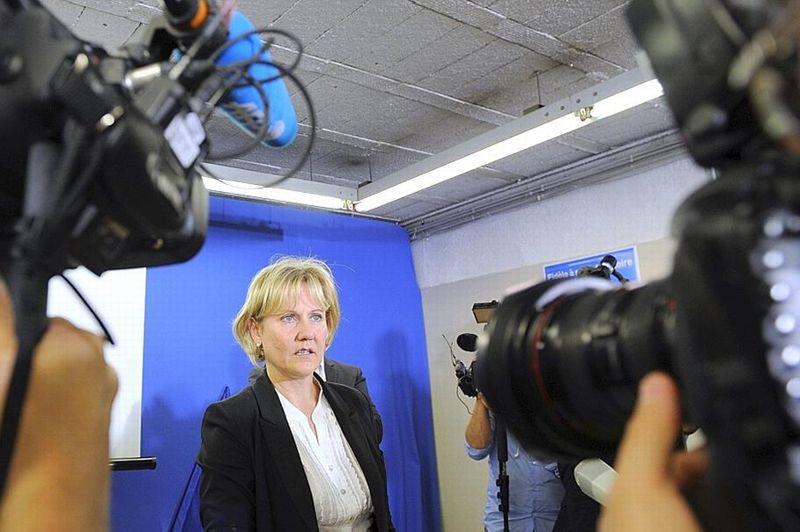 «Le sentiment du devoir accompli» animait Nadine Morano dimanche soir, battue dans son fief de Meurthe-et-Moselle par son rival socialiste Dominique Potier (55,67%-44,33%). Au lendemain du second tour, l'ancienne ministre qui avait appelé les électeurs frontistes à se rallier autour de sa candidature, est critiquée indirectement par les membres de l'UMP qui reprochent aux grands perdants du parti d'avoir dévié de la règle du «ni-ni» (ni FN, ni PS). Elle reste toutefois conseillère régionale de Lorraine.