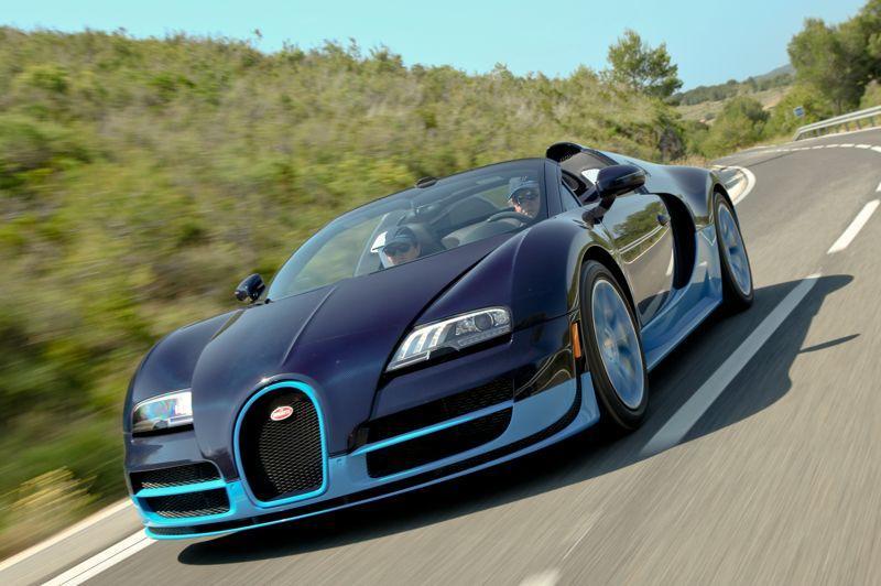 Dessinée il y a déjà plus de dix ans, la Bugatti Veyron résiste bien à l'usure du temps.