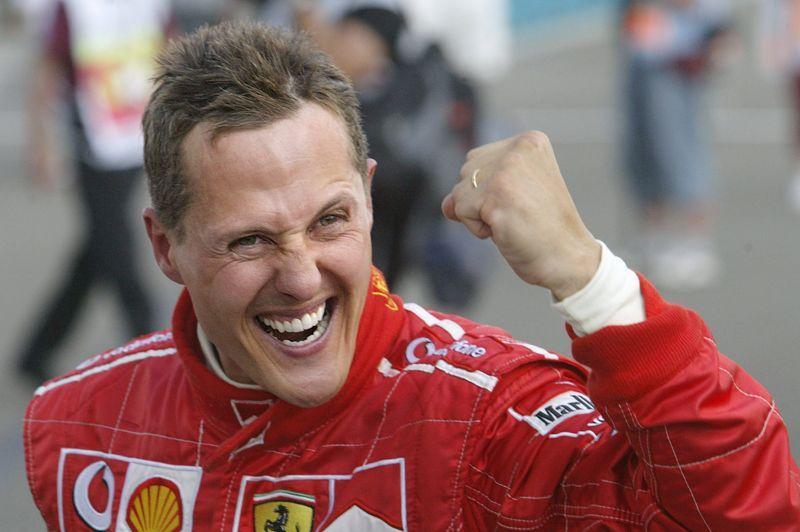 <b>Michael Schumacher -</b> Le come-back aura été de courte durée. Le coureur automobile a annoncé cette semaine qu'il arrêtait définitivement sa carrière à la fin de la saison 2012 de Formule 1. Sept fois champion du monde, «Schumi» avait déjà annoncé sa retraite en 2007, avant de finalement reprendre le volant en 2010. Mais les performances ne sont pas au rendez-vous. Malgré tout, <a href=
