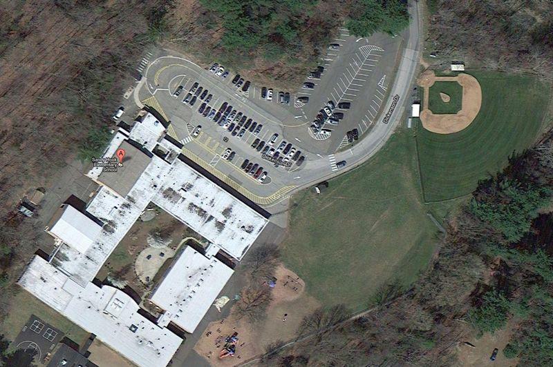 Un homme a ouvert le feu ce vendredi dans une école de Newton, dans le Connecticut, faisant de nombreuses victimes.