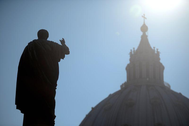 Le premier jour du conclave, tous les cardinaux se réunissent dans la basilique Saint-Pierre pour célébrer la «Missa Pro Eligendo Romano Pontifice».