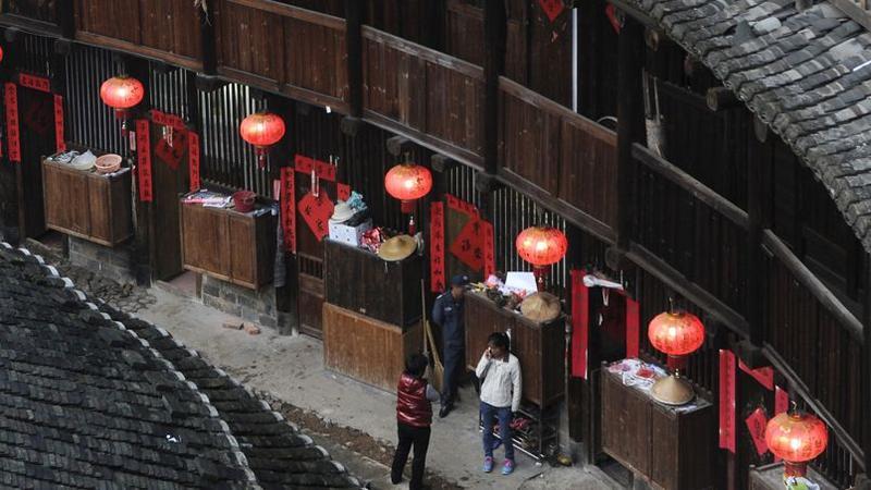 Au pays des maisons rondes de la province chinoise du fujian - Maison de la chine boutique ...