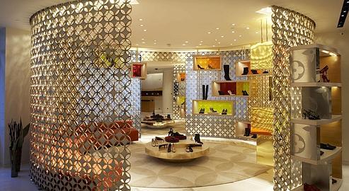 2eca37938cae5 101, avenue des Champs-élysées : du luxe à l'art