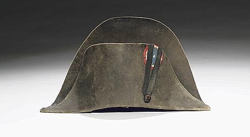 divers styles remise chaude Site officiel Napoléon et son chapeau légendaire