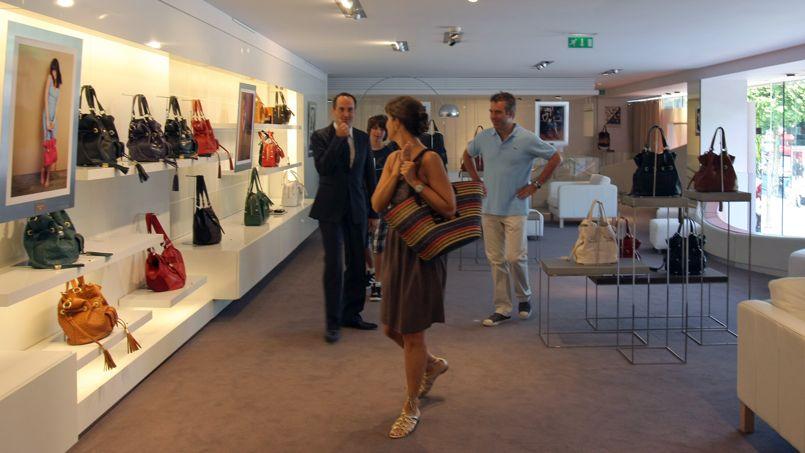 2321e7946fcd Les sacs Lancel mis en vente par le propriétaire de Cartier