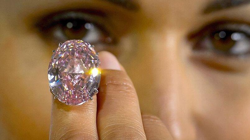 L Acquereur Du Diamant Le Plus Cher Du Monde Fait Faux Bond